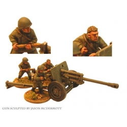 Russian 76mm A/T Gun and Crew